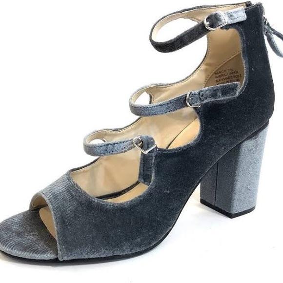 80d7f66d58d6 Zigi Soho Ice Blue Velvet Heels. M 5a92c24d50687c27d4fdf9b7